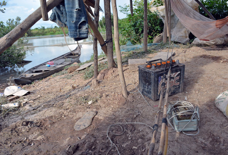 Electro-fishing gear along the shores of Be Prammuoy Lake in Kompong Cham province (Alex Consiglio/The Cambodia Daily)