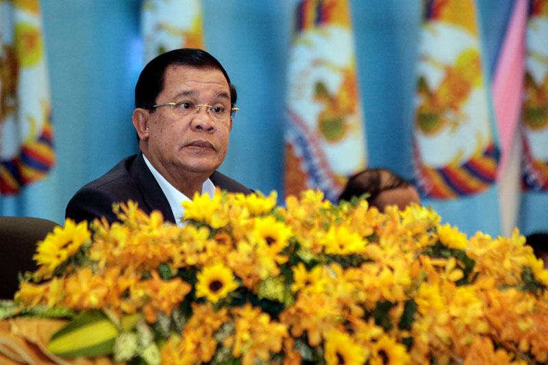 Prime Minister Hun Sen attends the afternoon session of the first day of a three-day CPP congress in Phnom Penh on Friday. (Siv Channa/The Cambodia Daily)