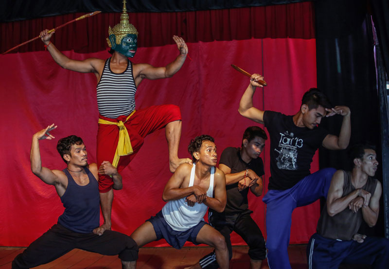 Dancers perform a Lakhaon Kaol masked-dance scene from the Reamker during Friday's auditions. (Siv Channa/The Cambodia Daily)