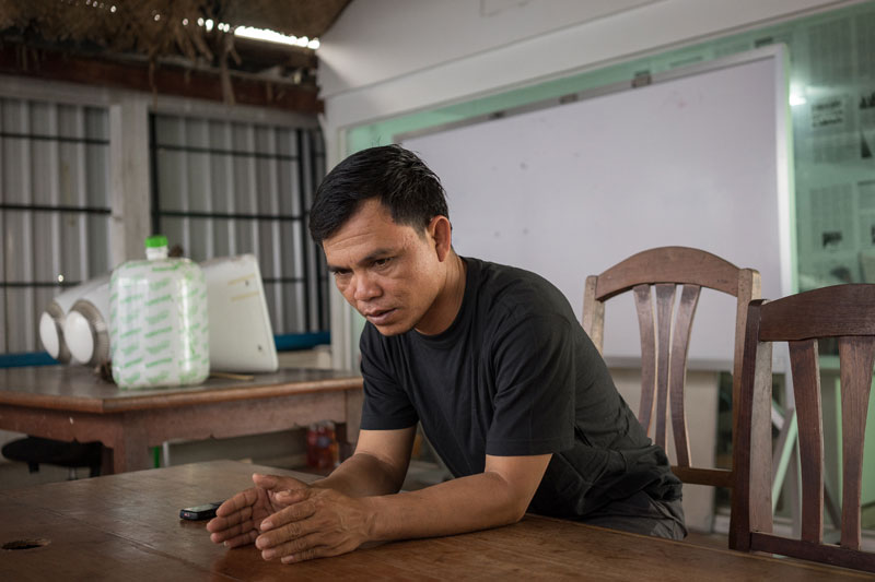 Klan Hoeun, an ethnic Jarai villager from Ratanakkiri province, speaks to reporters in Phnom Penh on Wednesday after returning from Vietnam, where he was sent after being arrested with 36 Montagnard asylum seekers last week. (Ben Woods/The Cambodia Daily)