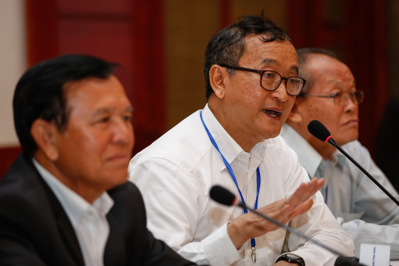 CNRP President Sam Rainsy speaks at a press conference at the party's headquarters in Phnom Penh on Friday afternoon. (Siv Channa/The Cambodia Daily)