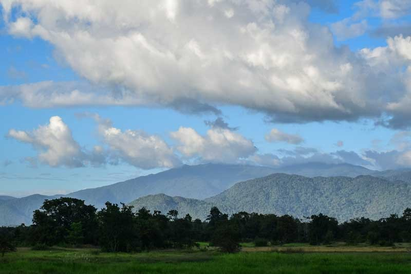 Clouds move over the Cardamom Mountains in Kompong Speu province's Oral district in November. (Peter Ford/ Cambodia Daily)