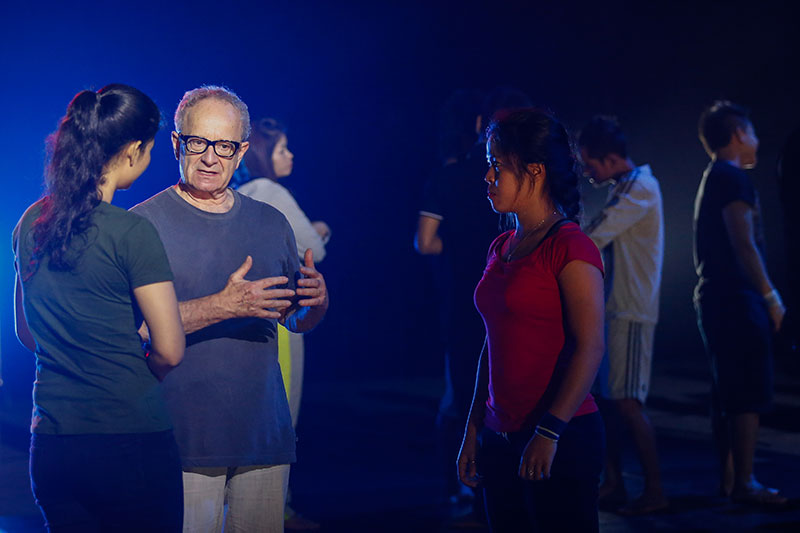 Director Michael Lessac discusses a scene during rehearsal Wednesday. (Siv Channa/The Cambodia Daily)