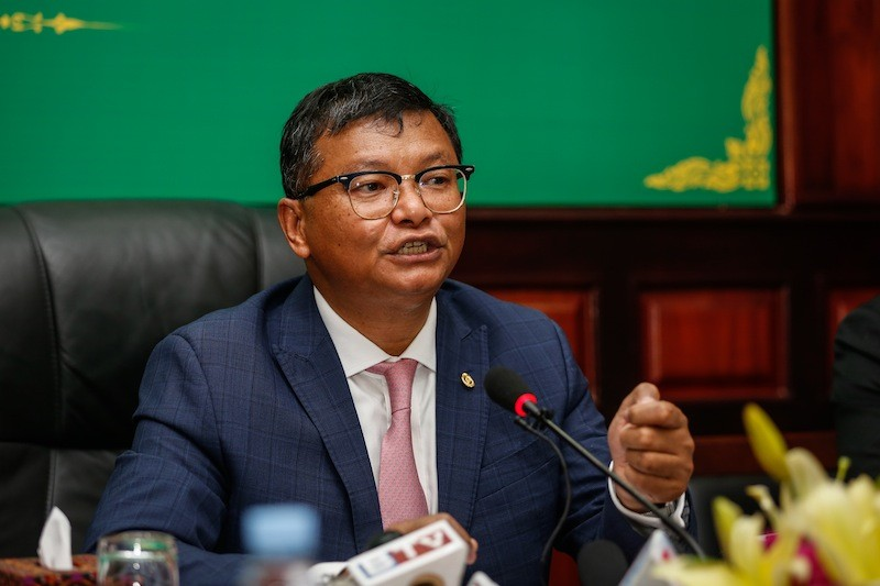 Education Minister Hang Chuon Naron speaks during a press conference about the upcoming high school exam at the Ministry of Education in Phnom Penh on Wednesday afternoon. (Siv Channa/The Cambodia Daily)