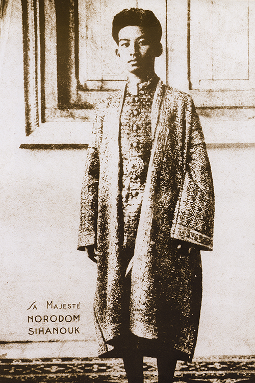 King Norodom Sihanouk in his coronation robes in 1941 (Julio Jeldres Collection)