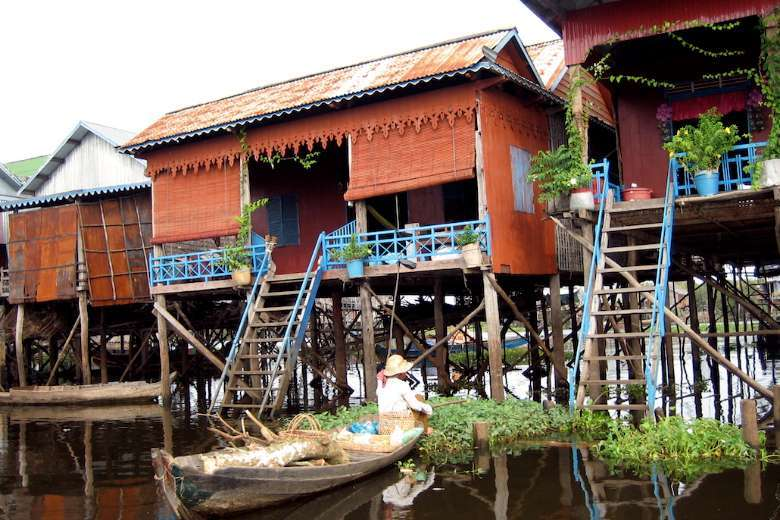 Hundreds evicted from Cambodian floating villages