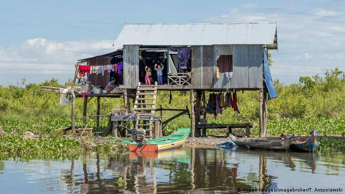 Climate change, Mekong dams threaten world's biggest inland fishery